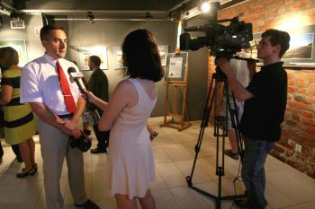 Interview for a regional television given during opening of my photo exhibition in Opole town (photo by Rafal Mielnik, MPL in Opole)